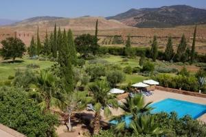 Piscine et jardins à l'Hôtel Kasbah Angour Atlas Montagne